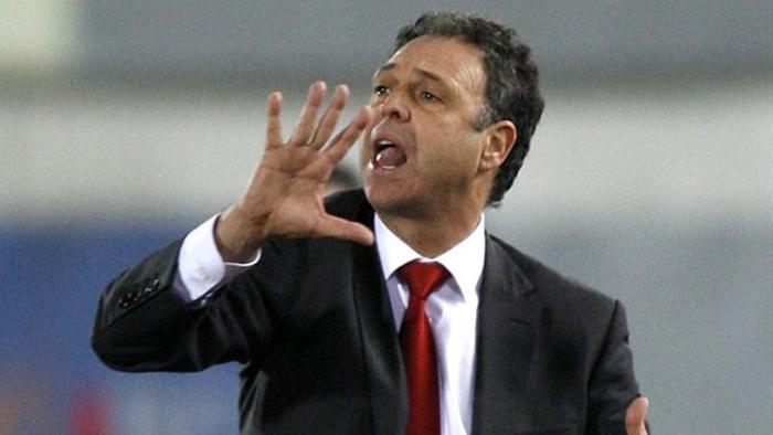 Osasuna destituye a Caparrós y Vasiljevic será el técnico