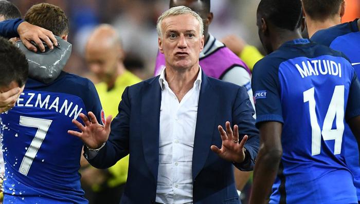 Deschamps: «Pasó lo que pasó, pero no tengo rencor hacia Benzema»