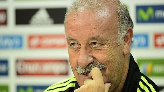 Del Bosque: «Casillas y Alcácer serán titulares frente a Macedonia»